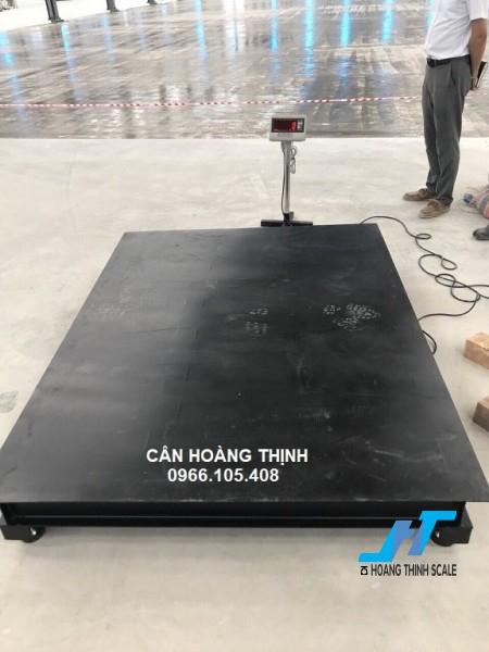 Cân sàn điện tử TPSDH 3 tấn được Cân Hoàng Thịnh cung cấp chính hãng chất lượng cao, với đầy đủ các kích thước và giao hàng miễn phí tận nơi. Liên hệ 0966.105.408 giảm giá 10%
