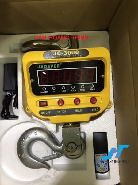 Cân treo điện tử JC JADEVER 3 tấn được Cân Hoàng Thịnh cung cấp cho ngành sắt thép, với tiêu chuẩn an toàn chất lượng cao. Liên hệ 0966.105.408 để được giảm giá 10%