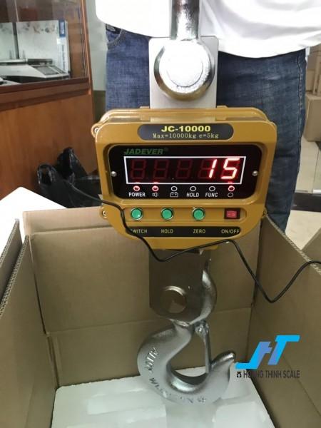 Cân treo điện tử JC JADEVER 10 tấn được Cân Hoàng Thịnh cung cấp cho ngành sắt thép, với tiêu chuẩn an toàn chất lượng cao. Liên hệ 0966.105.408 để được giảm giá 10%