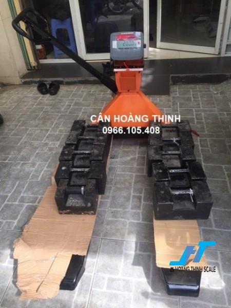 Cân điện tử xe nâng OHAUS T31P 2 tấn được Cân Hoàng Thịnh cung cấp mẫu cân xe nâng tay pallet 2000kg chất lượng cao chính hãng. Liên hệ 0966.105.408 để được giảm giá 10%