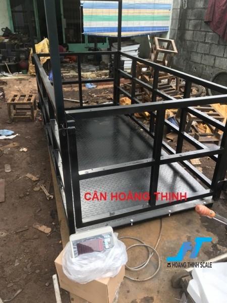 Cân sàn bò điện tử TPSDH 2 tấn là cân công nghiệp chuyên dùng cho cân gia súc trâu bò các loại