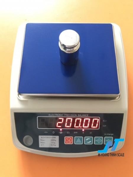 Cân điện tử kỹ thuật KD TBED 1200g là mẫu cân được sử dụng trong phòng thí nghiệm, cân trọng lượng các mẫu vật nhỏ