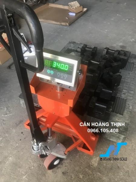 Cân điện tử xe nâng DI28SS 500kg được Cân Hoàng Thịnh cung cấp mẫu cân xe nâng tay pallet 500kg chất lượng cao chính hãng. Liên hệ 0966.105.408 để được giảm giá 10%
