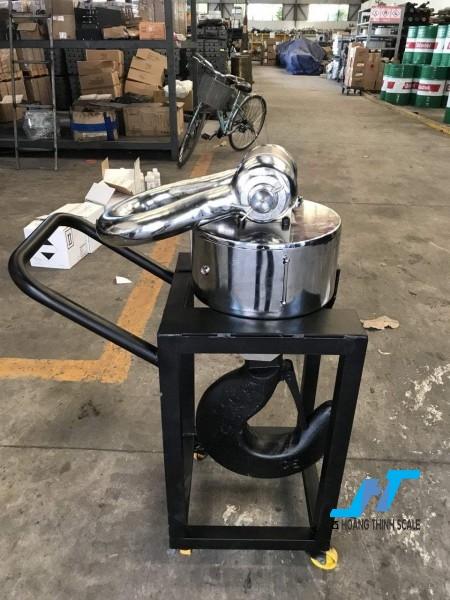 Cân treo điện tử WIRELESS 30 tấn được Cân Hoàng Thịnh cung cấp cho ngành sắt thép công nghiệp nặng, với tiêu chuẩn an toàn chất lượng cao. Liên hệ 0966.105.408 để được giảm giá 10%