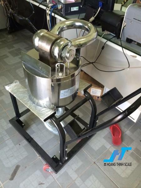 Cân treo điện tử WIRELESS 10 tấn được Cân Hoàng Thịnh cung cấp cho ngành sắt thép công nghiệp nặng, với tiêu chuẩn an toàn chất lượng cao. Liên hệ 0966.105.408 để được giảm giá 10%