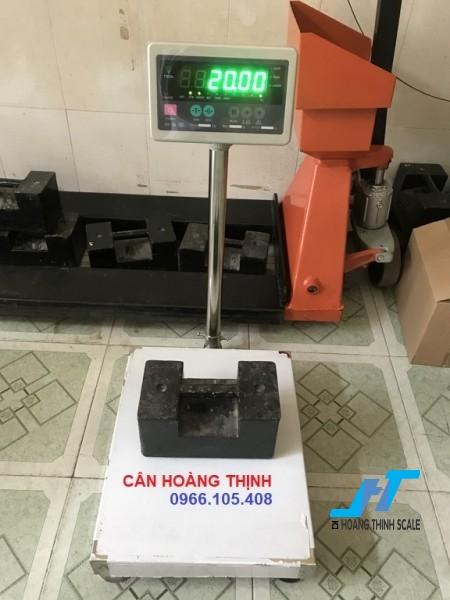Cân bàn điện tử DI30 150KG là mẫu cân thông dụng chuyên dùng cho cân trọng lượng, cân nông sản, cân hàng hóa các loại phục vụ cho mục đích đo lường sản phẩm
