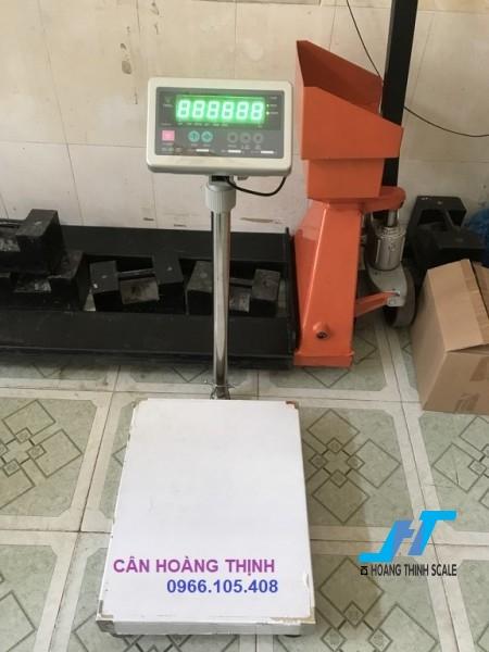 Cân bàn điện tử DI30200KG là mẫu cân thông dụng chuyên dùng cho cân trọng lượng, cân nông sản, cân hàng hóa các loại phục vụ cho mục đích đo lường sản phẩm