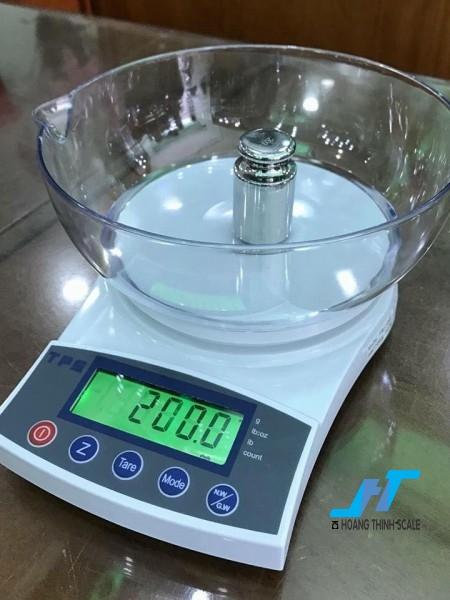 Cân điện tử VMC FRJ 3kg là mẫu cân điện tử cân trọng lượng, cân nông sản, cân dùng trong nhà bếp để cân các loại vật nhỏ