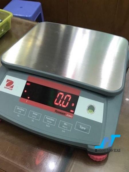 Cân điện tử OHAUS 3kg được Cân Hoàng Thịnh cung cấp hàng chính hãng chất lượng cao, giao hàng miễn phí tận nơi. Liên hệ 0966.105.408 để được giảm giá ngay 10%