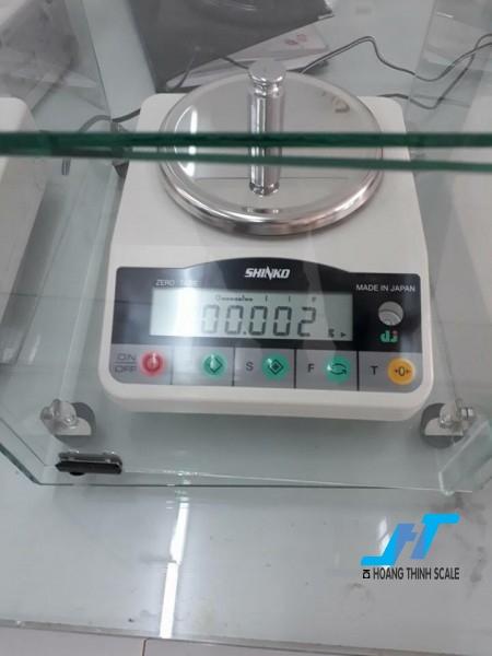 Cân điện tử phân tích VIBRA DJ 320g -0.001g là mẫu cân được sử dụng trong phòng thí nghiệm, cân trọng lượng các mẫu vật nhỏ