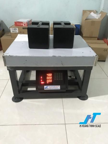Cân điện tử ghế ngồi A15 500kg là mẫu cân điện tử dạng ghế 500kg được Cân Hoàng Thịnh cung cấp chất lượng cao, giao hàng miễn phí. Liên hệ 0966.105.408 để được giảm giá 10%