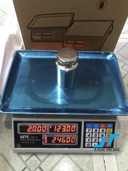 Cân điện tử tính giá UPA 30kg cân chuyên dùng cho cân siêu thị bán hàng được Cân Hoàng Thịnh cung cấp chính hãng chất lượng. Liên hệ 0966.105.408 để được giảm giá ngay 10%