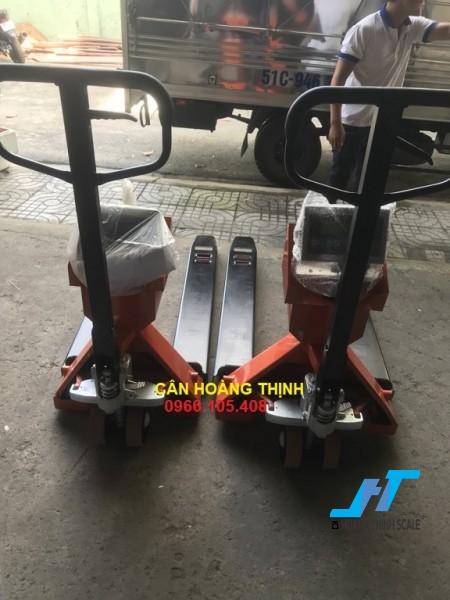 Cân điện tử xe nâng A12 1 tấn được Cân Hoàng Thịnh cung cấp mẫu cân xe nâng tay pallet 1000kg chất lượng cao chính hãng. Liên hệ 0966.105.408 để được giảm giá 10%