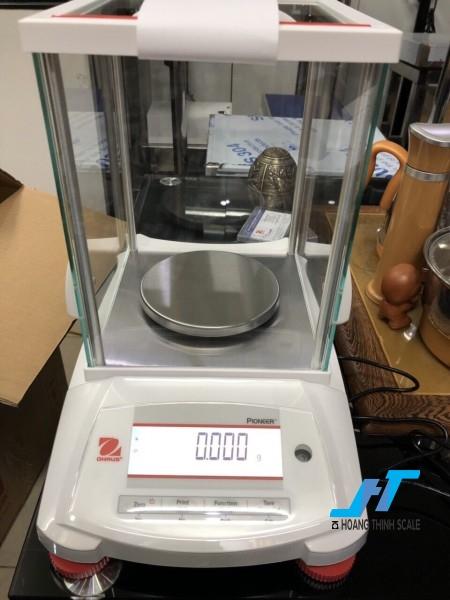 Cân điện tử phân tích Ohaus PX 220g - 0.001g được thiết kế cho các công việc phân tích trọng lượng cơ bản trong phòng thí nghiệm, được thiết kế dành riêng cho cân ngành vàng