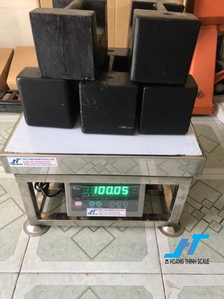 Cân điện tử ghế ngồi inox DI28SS 500kg là cân chuyên dùng cho cân thủy hải sản được Cân Hoàng Thịnh cung cấp hàng chất lượng cao. Liên hệ 0966.105.408 giảm giá ngay 10%