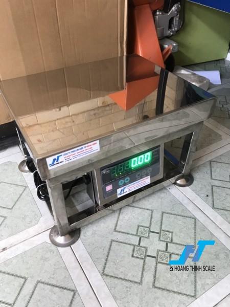 Cân điện tử ghế ngồi inox DI28SS 100kg là cân chuyên dùng cho cân thủy hải sản được Cân Hoàng Thịnh cung cấp hàng chất lượng cao. Liên hệ 0966.105.408 giảm giá ngay 10%