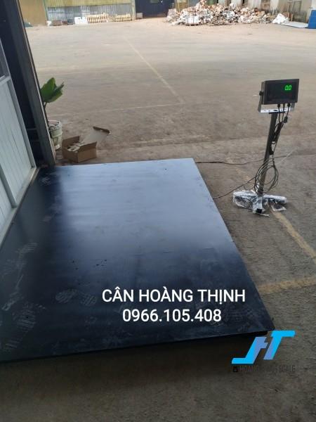 Cân sàn điện tử DI28SS 2 tấn được Cân Hoàng Thịnh cung cấp chính hãng chất lượng cao, với đầy đủ các kích thước và giao hàng miễn phí tận nơi. Liên hệ 0966.105.408 giảm giá 10%