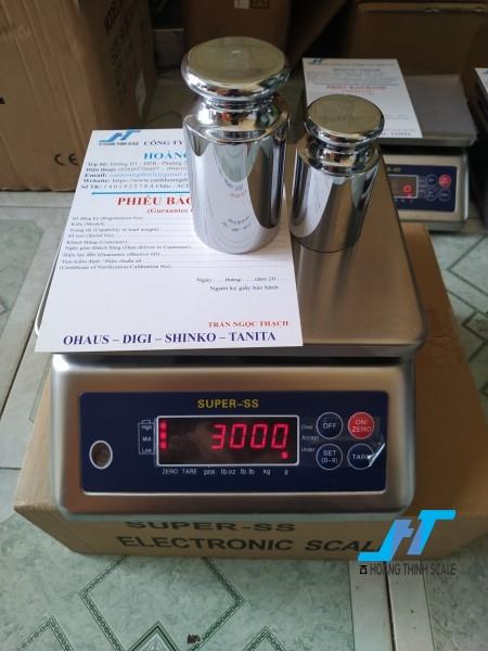 Cân điện tử SUPER SS 30kg là cân chuyên dùng cho cân thủy hải sản được Cân Hoàng Thịnh cung cấp hàng chất lượng cao. Liên hệ 0966.105.408 giảm giá ngay 10%