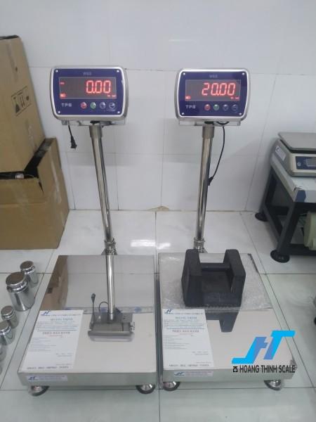 Cân bàn điện tử thủy sản WSS 300kg là cân chuyên dùng cho cân thủy hải sản được Cân Hoàng Thịnh cung cấp hàng chất lượng cao. Liên hệ 0966.105.408 giảm giá ngay 10%