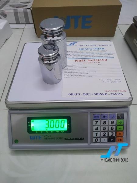 Cân điện tử 30kg UTE thuộc mẫu cân bàn 30kg được Cân Hoàng Thịnh cung cấp chất lượng chính hãng, báo giá cân điện tử 30kg UTE gọi 0966.105.408